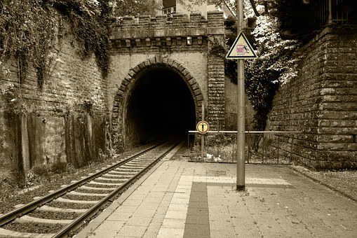 railway-station-450145__340